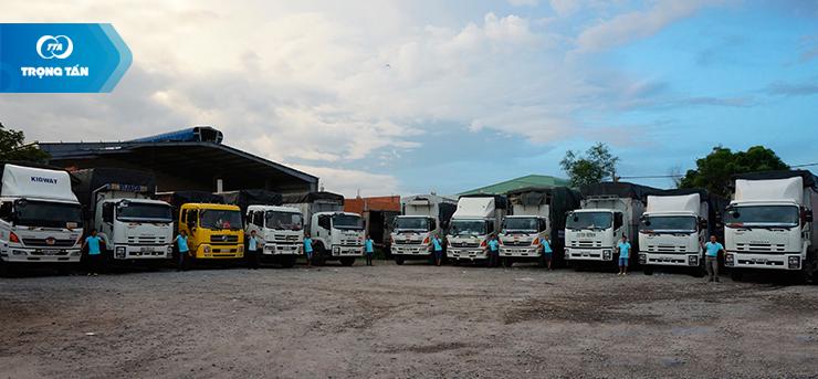 Đội xe phục vụ vận chuyển hàng hóa đi Phú Quốc