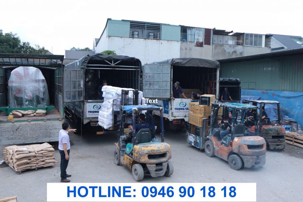 Hàng hóa vận chuyển Sài Gòn đi Hà Nội được nâng hạ an toàn