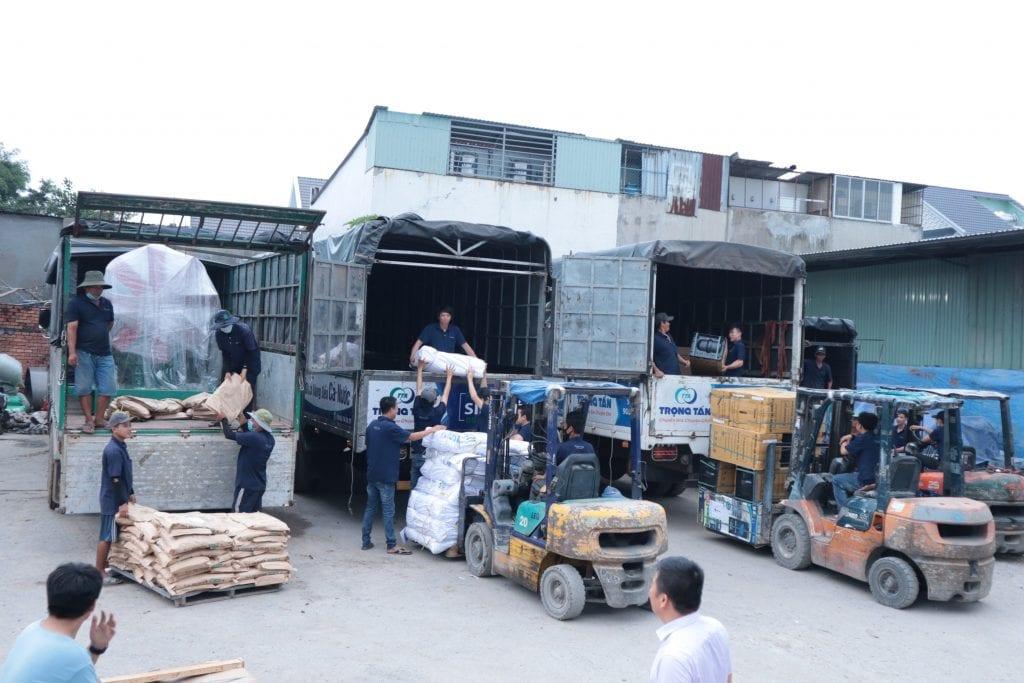 Đội bốc xếp Dịch vụ vận chuyển hàng Bắc Nam
