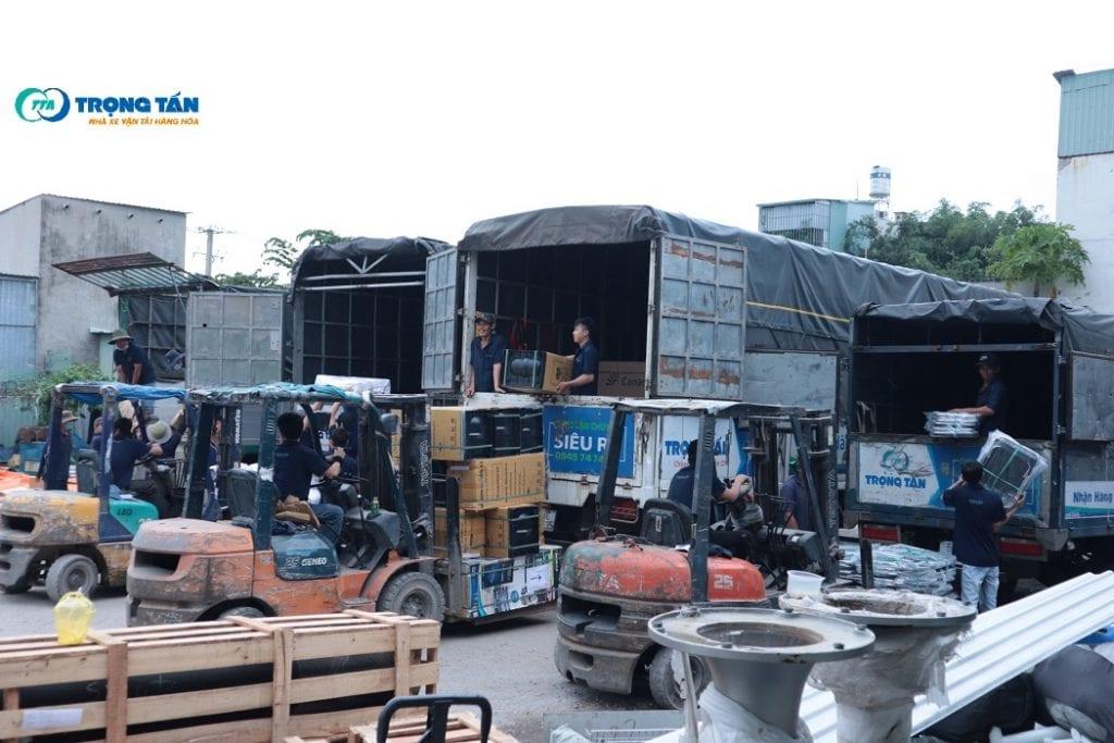 Ghép Hàng Sài Gòn Đi Hà Nội chủ yếu vận chuyển bằng đường bộ
