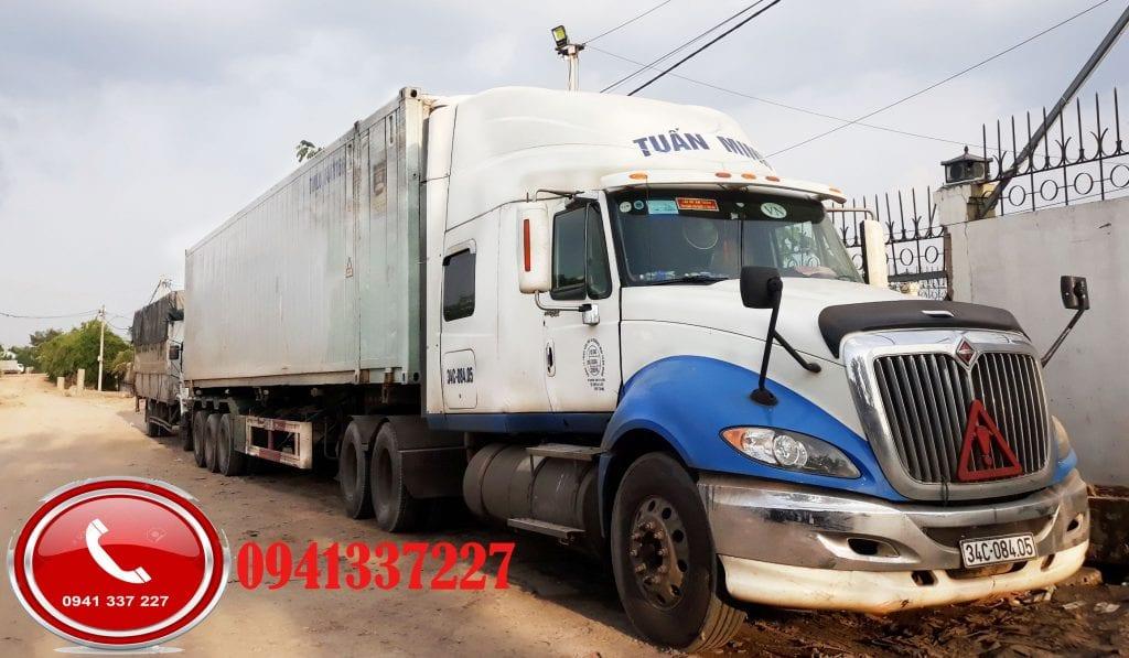 xe container chuyển hàng đi Đồng Hới
