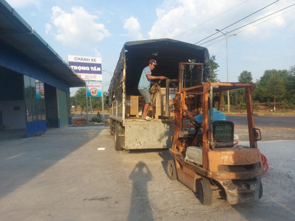 Xe nâng hàng Bảo Lộc đi Hà Nội
