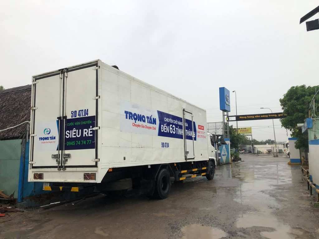 cho thuê xe tải 8 tấn thùng kín
