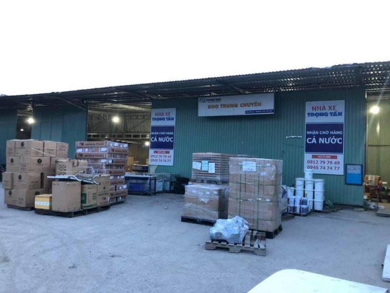Kho Hàng Của Chành Xe Cho thuê xe tải ở hà nội đi 63 tỉnh thành